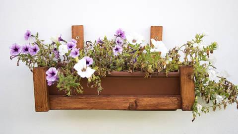 Bastelanleitung: Blumenkastenhalter bei Makerist sofort runterladen