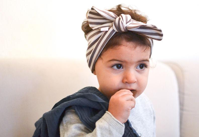 Geknotetes Baby- und Kinderhaarband - Nähanleitungen bei Makerist sofort runterladen