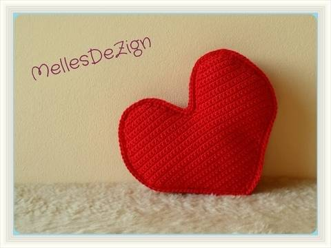 Häkelanleitung 3D Herz bei Makerist sofort runterladen