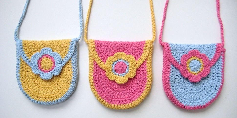 Download Crochet bag, Curved U-shaped Bag, Pattern No9, in both UK and US crochet terms - Crochet Patterns immediately at Makerist