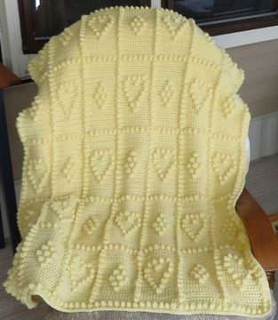 Download Hearts & Bobbles Baby Blanket - Crochet Patterns immediately at Makerist
