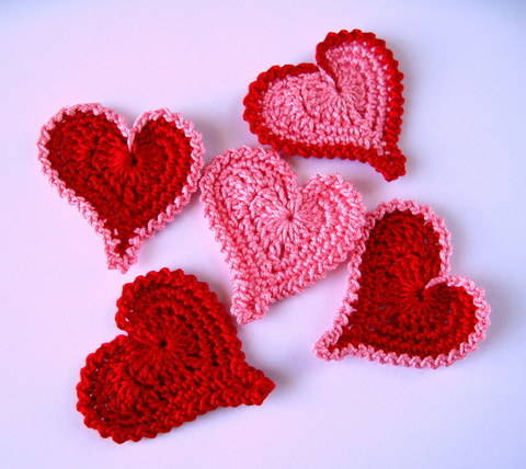 Download Asymmetrical Heart Applique immediately at Makerist