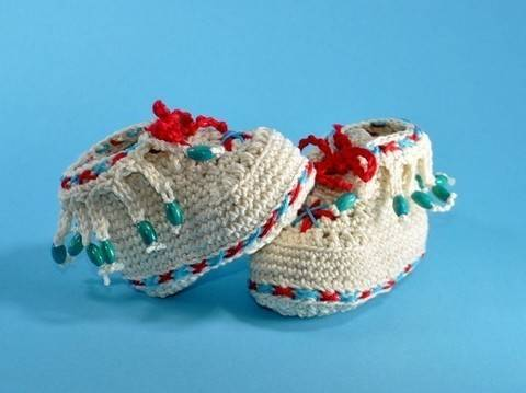 Download Baby shoes moccasin crochet pattern immediately at Makerist