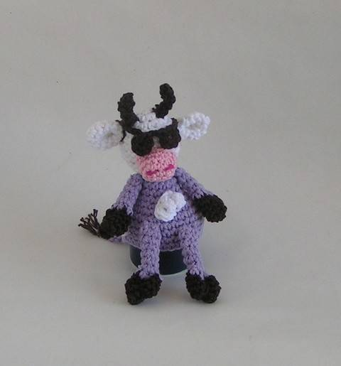 Download egg warmer purple cow crochet pattern immediately at Makerist