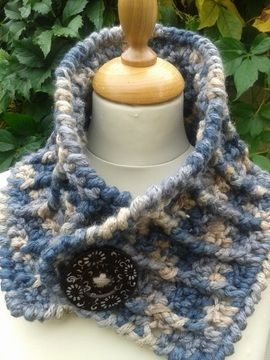 Download Chunky Cowl - Crochet Patterns immediately at Makerist