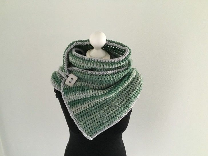 Download Crochet Pattern for a Button Scarf  - Crochet Patterns immediately at Makerist