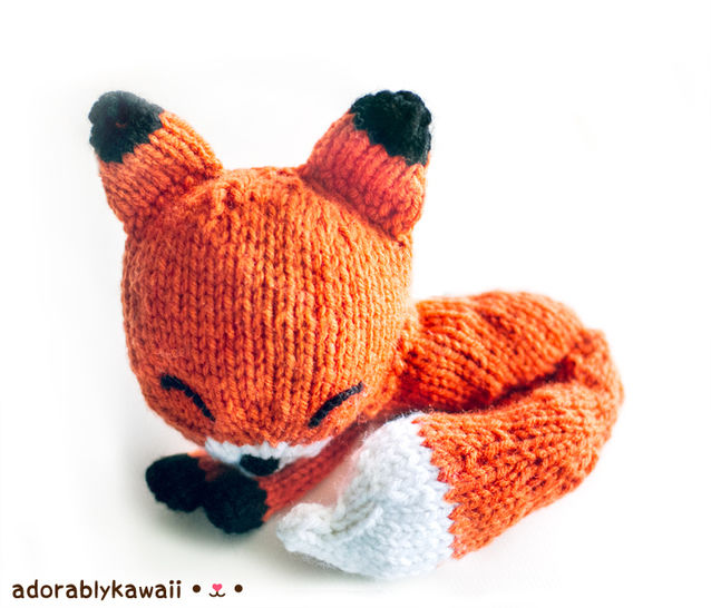 Download Knit Sleepy Fox Amigurumi Pattern - Knitting Patterns immediately at Makerist