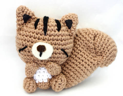 Download Sleepy Chipmunk Amigurumi Crochet Pattern immediately at Makerist