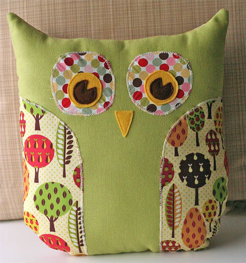 Download Lola Owl Pillow and Tote Bag PDF Sewing Pattern immediately at Makerist