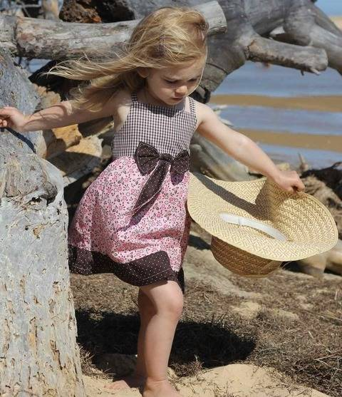 Download ALINA bow dress - PDF sewing pattern - International size: 5-12yr immediately at Makerist