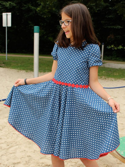 Download OLIVIA lined dress with zipper - International size: 5-12 yr - Sewing Patterns immediately at Makerist