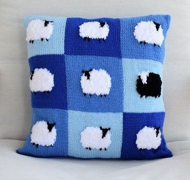 Download Patchwork Flock of Sheep Cushion - Knitting Patterns immediately at Makerist