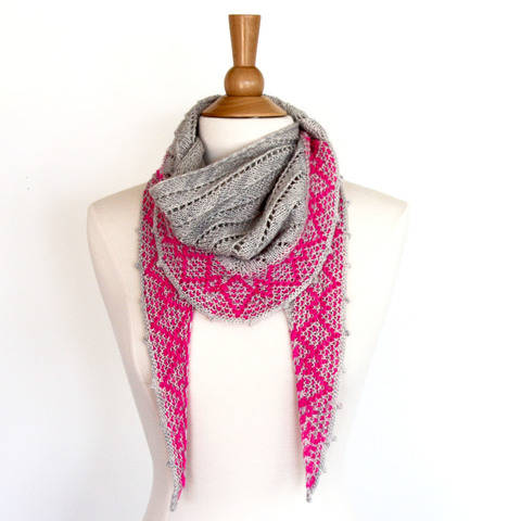 Download Shine On Shawl immediately at Makerist