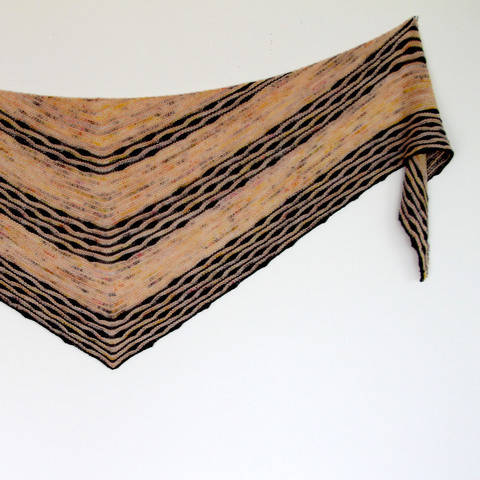 Download Tarni Shawl immediately at Makerist