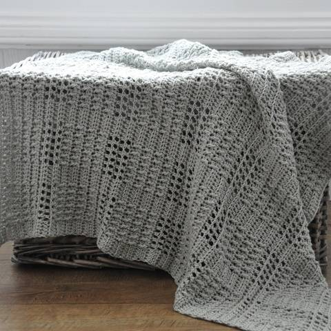 Download Silver Squares Crochet Baby Blanket  immediately at Makerist