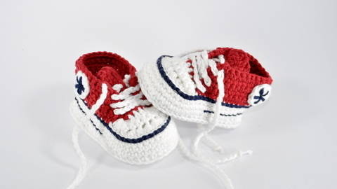 Download Baby runners crochet pattern immediately at Makerist