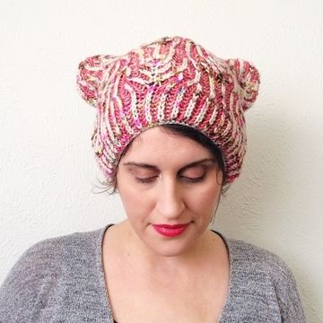 Download Happy Kitty Hat - Knitting Patterns immediately at Makerist