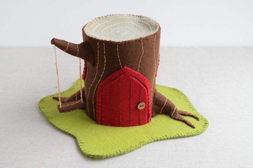 Download Log House Sewing Pattern - DIY Embroidery Sewing Pattern for Log Play house - Gnome & Fairy Tree house soft toy tutorial - Sewing Patterns immediately at Makerist
