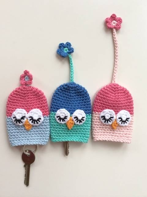 Download Crochet Keycosy, Owl key cozy cover, Pattern No18, in both UK and US crochet terms immediately at Makerist