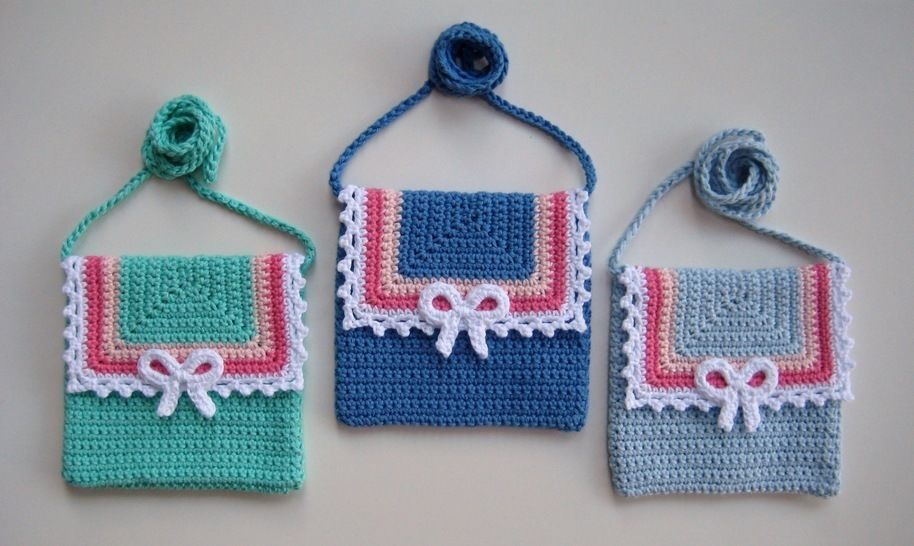 Download Crochet bag, Lace and Bow bag, Pattern No22, in both UK and US crochet terms - Crochet Patterns immediately at Makerist