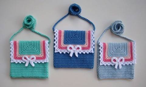 Download Crochet bag, Lace and Bow bag, Pattern No22, in both UK and US crochet terms immediately at Makerist