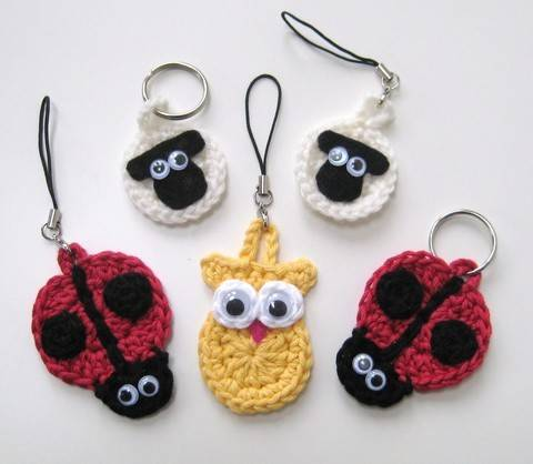 Download Crochet Animal Keychains, keyrings, sheep ladybird owl, Pattern No7, in both UK and US crochet terms immediately at Makerist