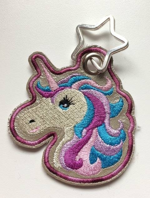 Einhorn Inge, Schlüsselanhänger ITH, gewerbliche Nutzung bei Makerist sofort runterladen