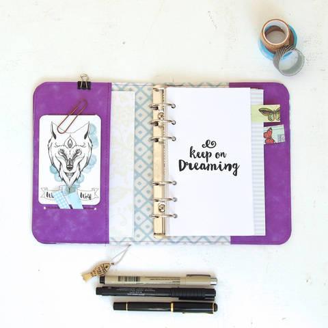 Keep on Dreaming, Kalender im Dori-Style, für Einlagen der Größe  17,2 cm x 9,5 cm, Personal planner,  Kalenderhülle, Ringbuch,  bei Makerist sofort runterladen