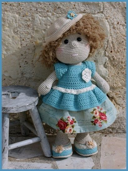 Download Pétronille, crochet doll - Crochet Patterns immediately at Makerist
