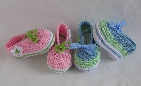 Download Ballerinas lace-up shoes crochet pattern immediately at Makerist