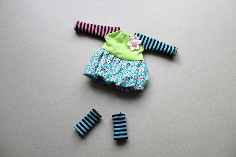 Nähanleitung Puppenkleid und Stulpen für 30cm Puppen LALALOOPSY und LOTTI - Nähanleitungen bei Makerist sofort runterladen