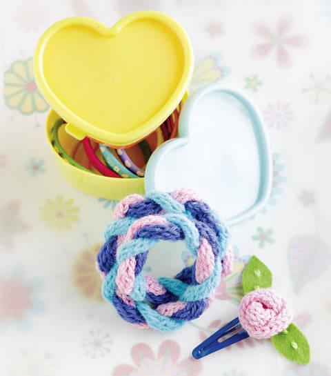 """Zopfarmband & Haarclip """"Rose"""" (Anleitung für Strickliesel) bei Makerist sofort runterladen"""