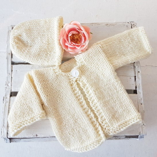 Download Easy Baby Ella Cardigan and Beanie - Knitting Patterns immediately at Makerist