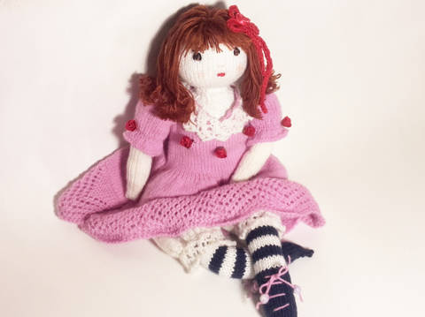 Download Doll knitting pattern – Finished size : 42 cm (16 ½ inches)–  Number 1 immediately at Makerist