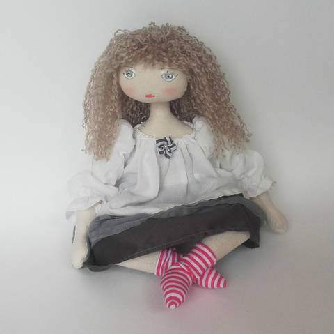 Download Rag doll sewing pattern - 35 cm (13,65 inches) tall - Suitable for beginners - Number 2 immediately at Makerist