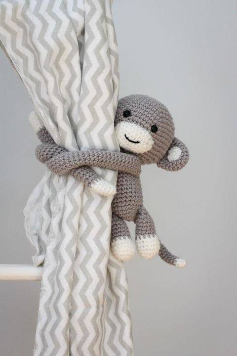 Download Cheeky monkey curtain tie back immediately at Makerist