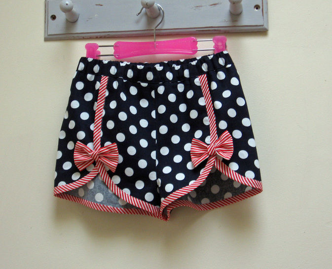 Download Girls Summer Shorts sewing pattern GIDGET SHORTS - Sewing Patterns immediately at Makerist