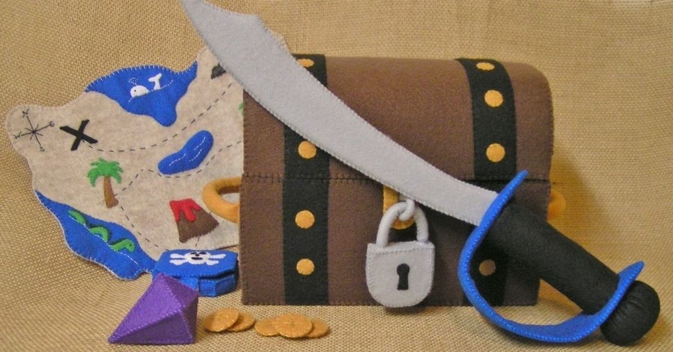 Download  Pirate Playset Pirate Cove - Sewing Patterns immediately at Makerist
