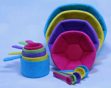Download Felt Mixing Bowls, Measuring Cups and Spoons - Sewing Patterns immediately at Makerist