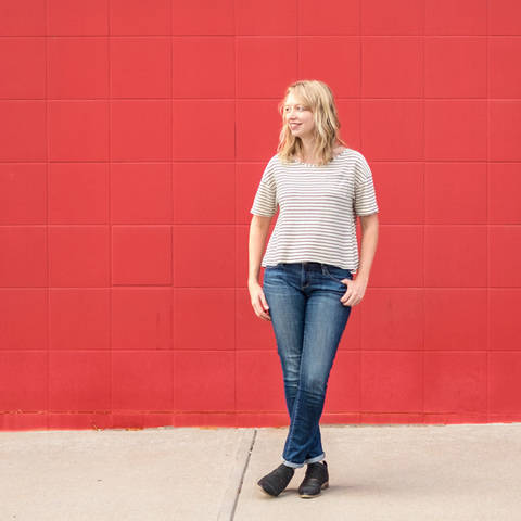 Download Wanderlust Tee - Simple Sewing Pattern for Knits immediately at Makerist