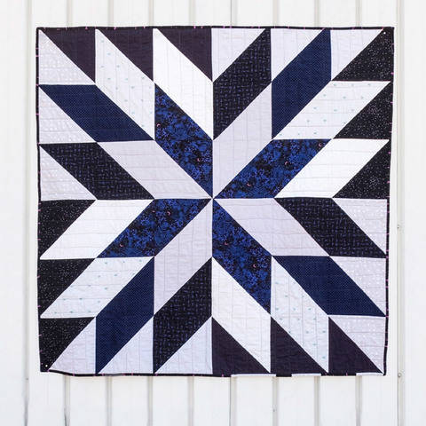 Download Supernova Quilt Pattern immediately at Makerist