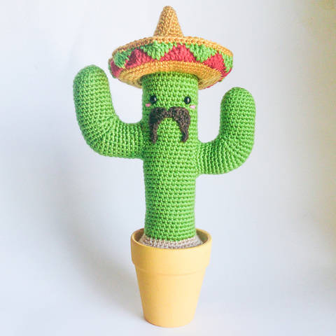 Download Mexican Cactus - Amigurumi crochet photo-tutorial  immediately at Makerist