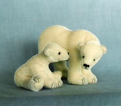 Download Teddy Bear Pattern and Illustrated Instructions for Polar Mom and Cub - Sewing Patterns immediately at Makerist