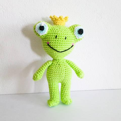 Download Todd The Frog - Amigurumi Crochet Pattern immediately at Makerist