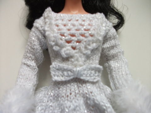 Download Kaia Winter Princess Pattern for Barbie - Knitting Patterns immediately at Makerist