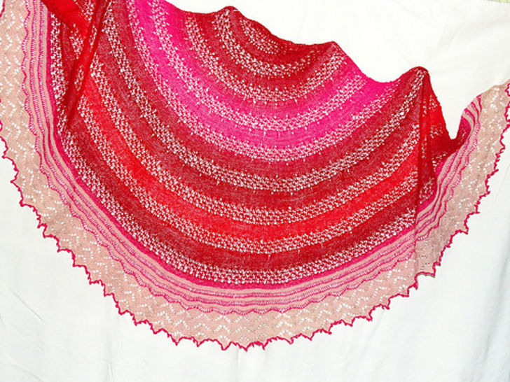 Download Sundowner Shawl - Knitting Patterns immediately at Makerist
