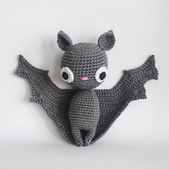 Download Batilda the bat - Crochet Patterns immediately at Makerist