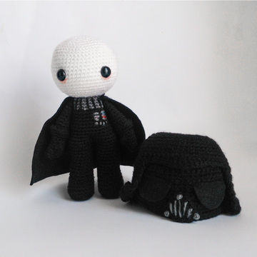 Download Darth Vader with removable helmet - Crochet Patterns immediately at Makerist