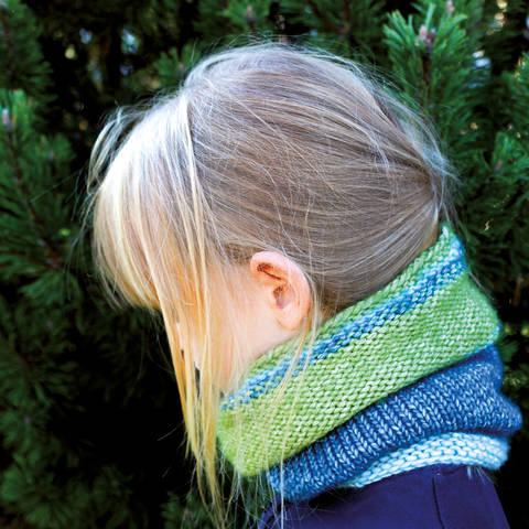 Loop für Kinder Pfau - Strickanleitung, einfach und schnell, Größe Kind 4-6 Jahre bei Makerist sofort runterladen