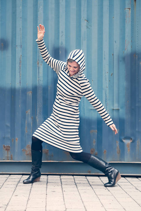 Download *.Raglanelse* (raglan dress pattern)  sizes 34 - 46 immediately at Makerist